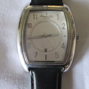 KENNETH COLE  of NEW YORK Wrist Watch New Battery